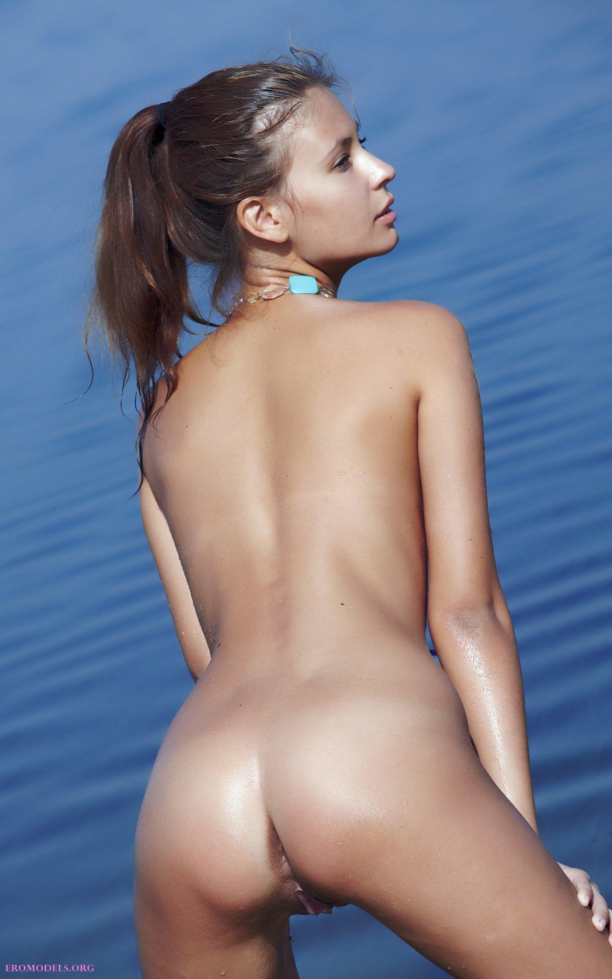Фотосессия на воде эротика, порнографии звезд знаменитостей