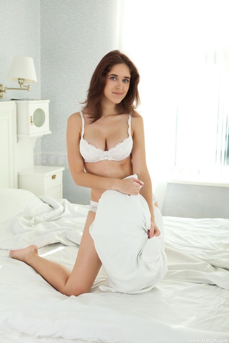 Порно фото юной Секс 18 лет  XXX