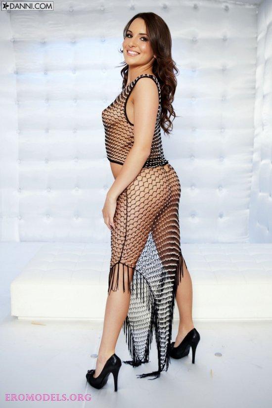 Откровенный наряд Jenna Rose из сеточки (16 фото)
