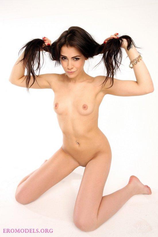 Мотивы эротики от сексуальной Gracy Taylor (15 фото)