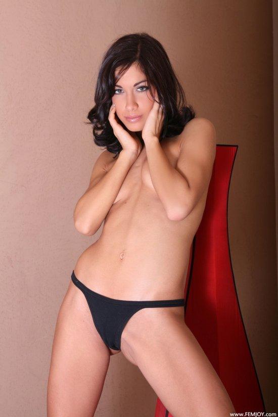 Расслабленная Leyla (15 фото)