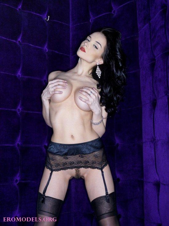 Сексуальный наряд на элегантной Jenya (14 фото)