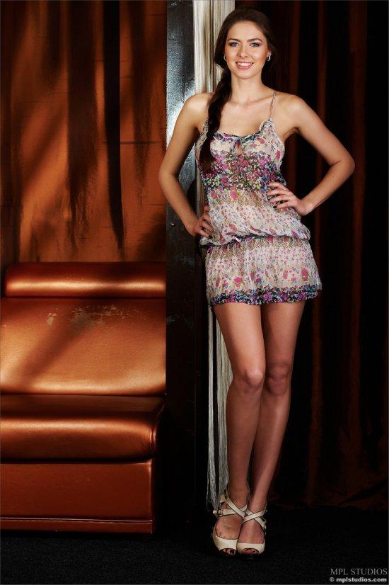 Эротика с красивой славянкой Arianna (18 фото)