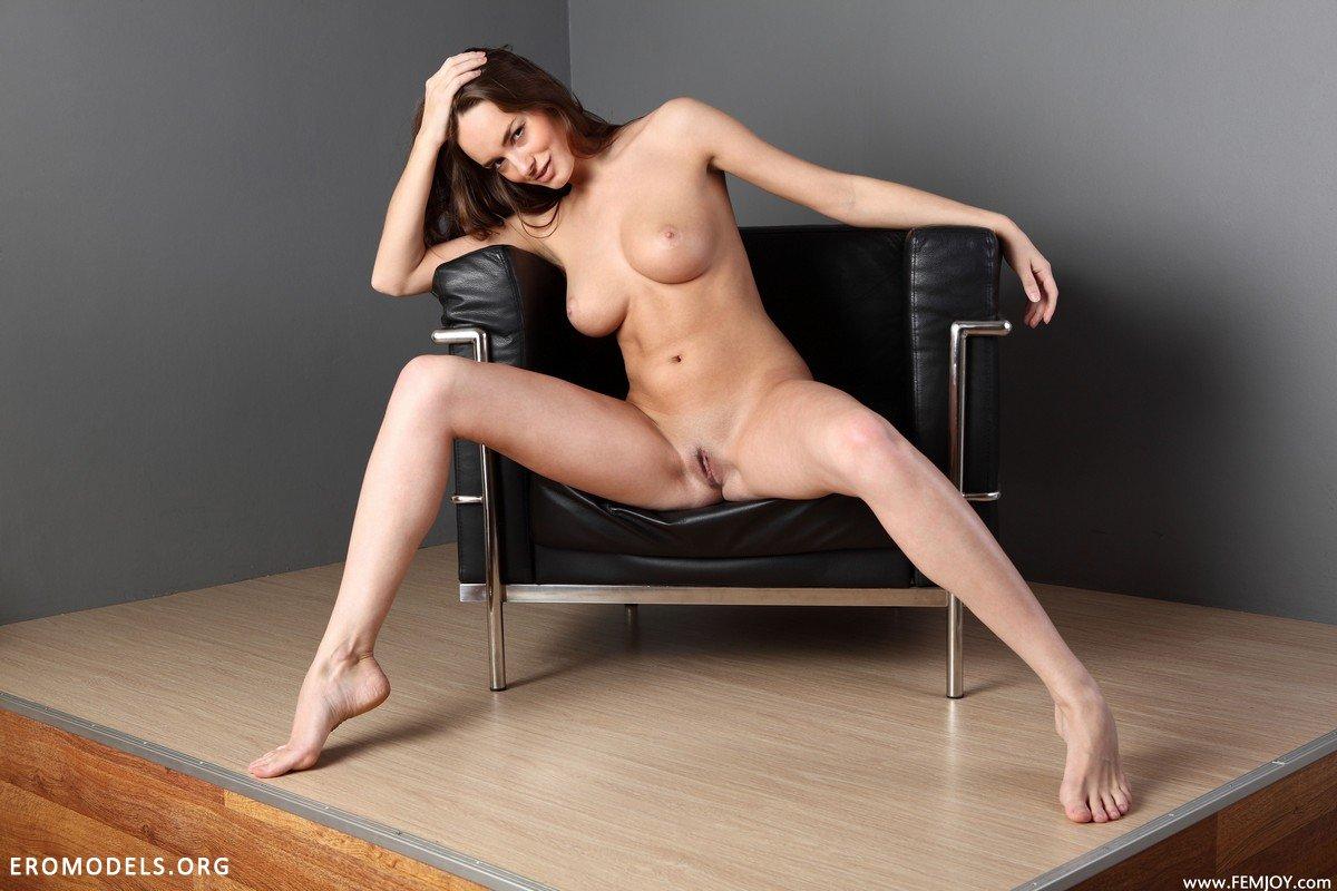 Смотреть порно стройные ноги 14 фотография