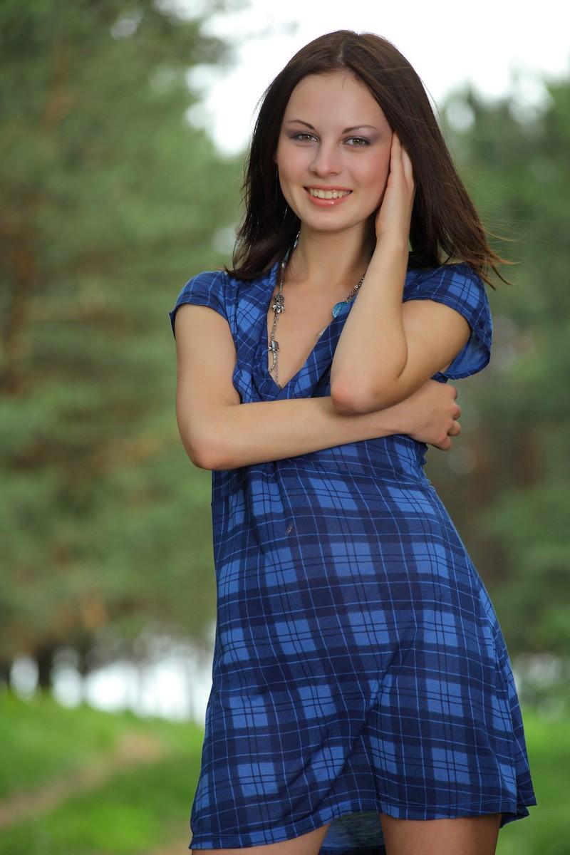 Девушка на эротической прогулке фото 612-514