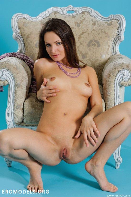 Joanna покоряет классной эротикой (20 фото)