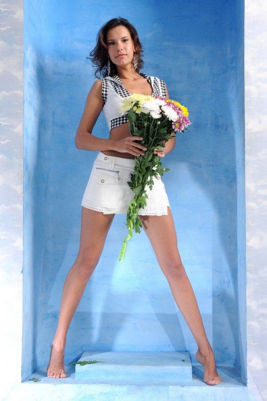 Suzanna ответила эротикой на подаренные цветы (15 фото)