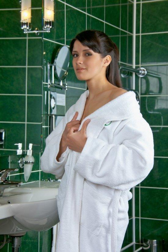 Интим милой Luisa в зеленной ванной (20 фото)