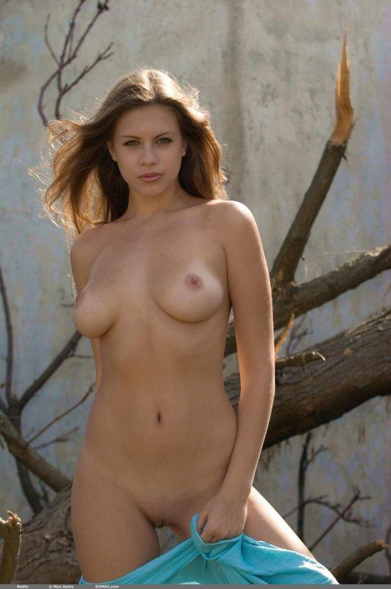 Привлекательная внешность эро модели Nadia (18 фото)