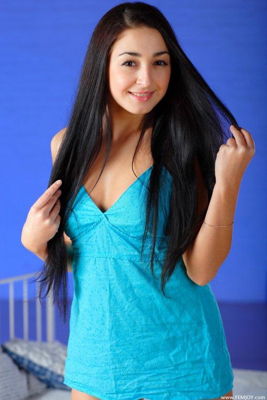 Ondin - девушка с цепляющей изюминкой (12 фото)