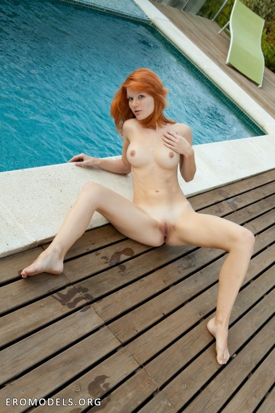 Кадры интимного характера с отпуска Mia Sollis (18 фото)