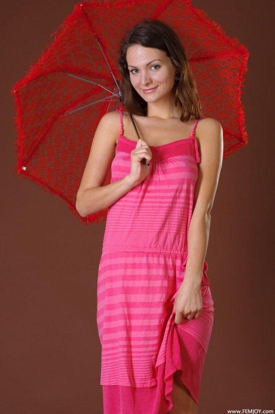 Романтичная милашка Joanna с зонтиком (20 фото)