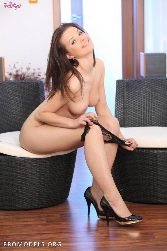 Anna Tautou - одна из эротических героинь сегодняшнего дня (16 фото)