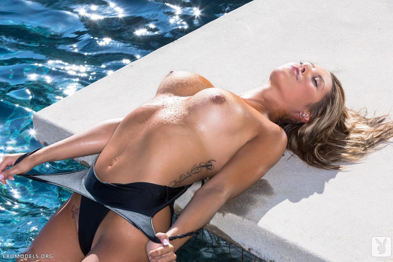 Эро модели в купальниках фото 7 фотография