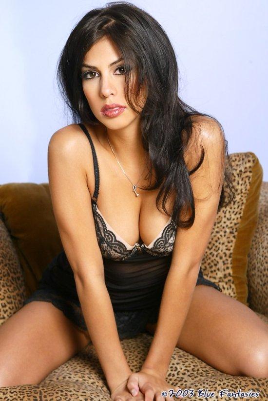 Умеющая заворожить привлекательной внешностью Samantha Martinez (14 фото)