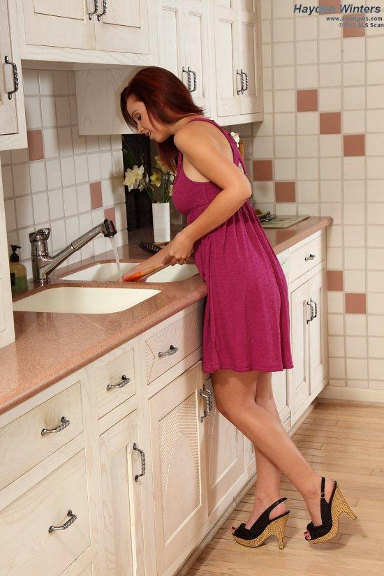 Скучающая домохозяйка Hayden Winters (18 фото)