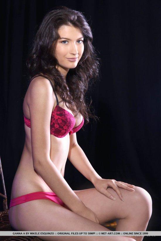Романтично выглядящая модель Ganna (15 фото)