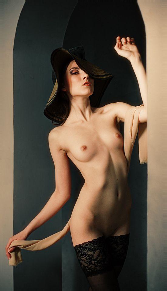 Эротические прозрения красивых женщин на кадрах Евгения Белова (20 фото)