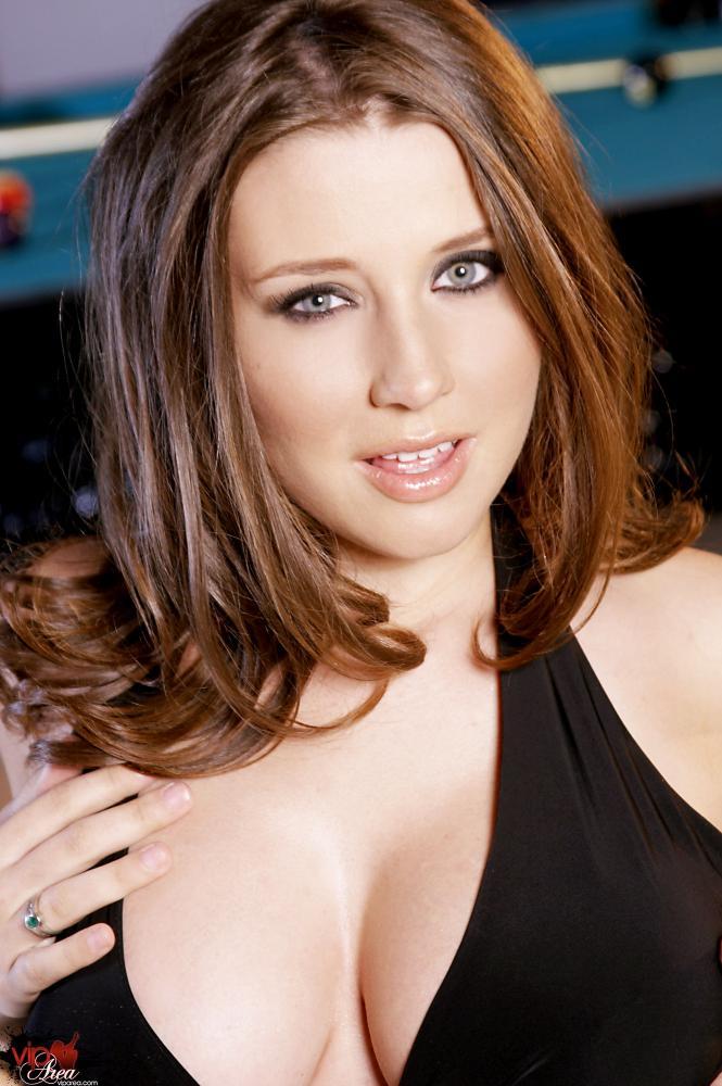 devushki-model-prelesti-erotika-stariy-perdun-trahaetsya-s-seksualnoy-telkoy