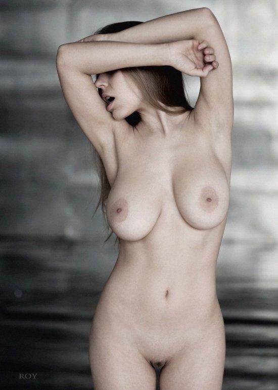 Наиболее интимное из женской красоты в работах ROY-S (36 фото)