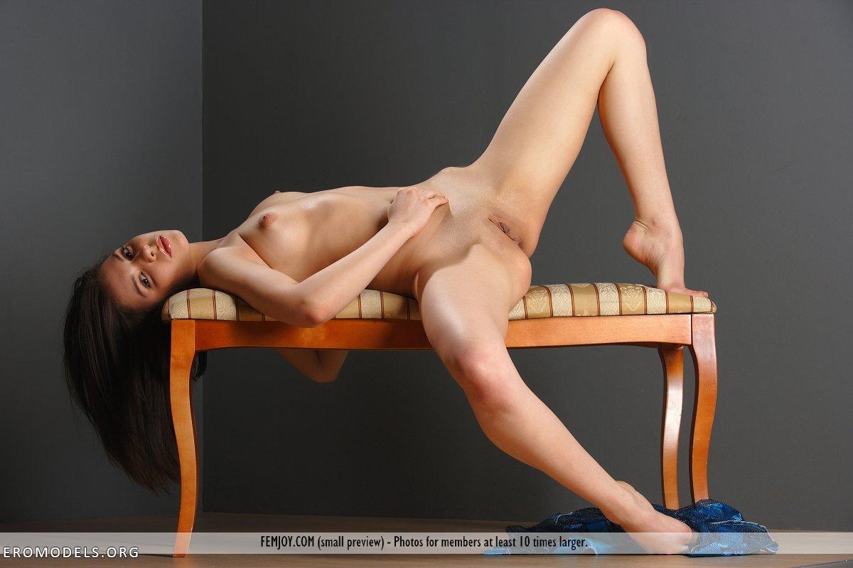 Фото голых сисик писик 7 фотография