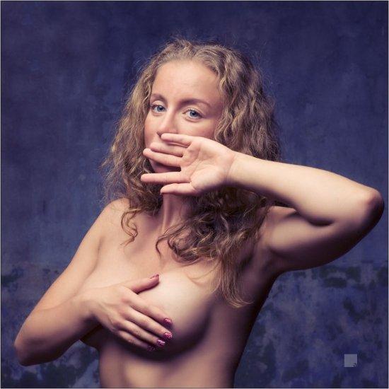 Поделившийся созданным эротическим артом Денис Абрамов (26 фото)