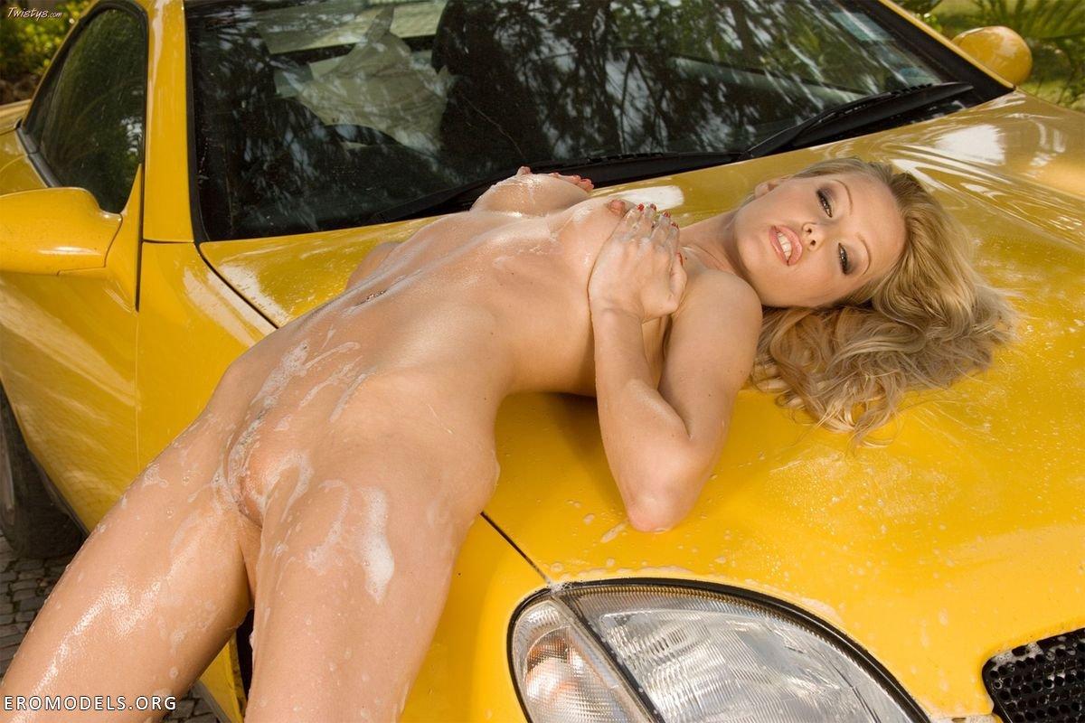 Смотреть порно на мойке машин 23 фотография