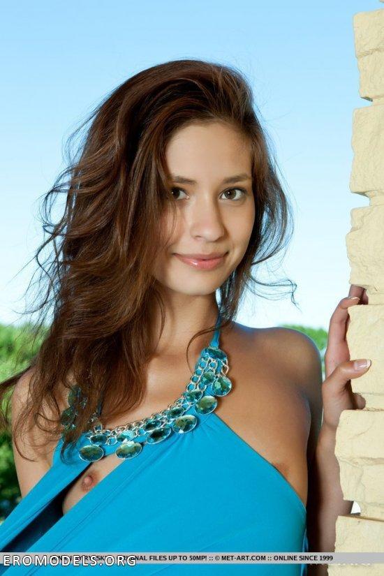 Мило смотрящаяся смазливость Irina (15 фото)