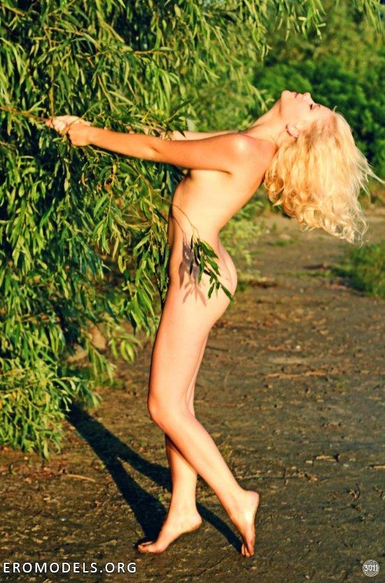 Мастерские проделки Alexey3011 в интимной фотографии (38 фото)