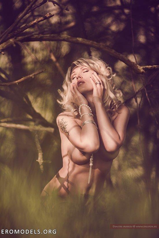 Свежие нотки на интимной тропе Дмитрия Авдеева (42 фото)