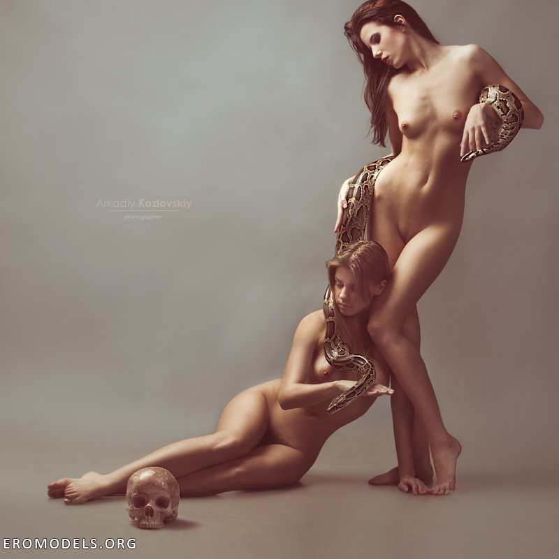 eroticheskie-kartinki-tsvetnie