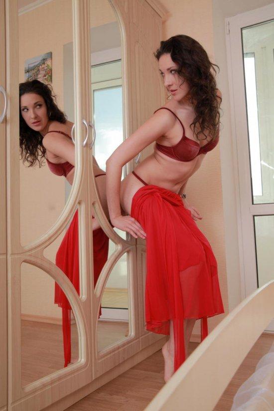 Сотворившая домашнюю интригу Aynur (14 фото)