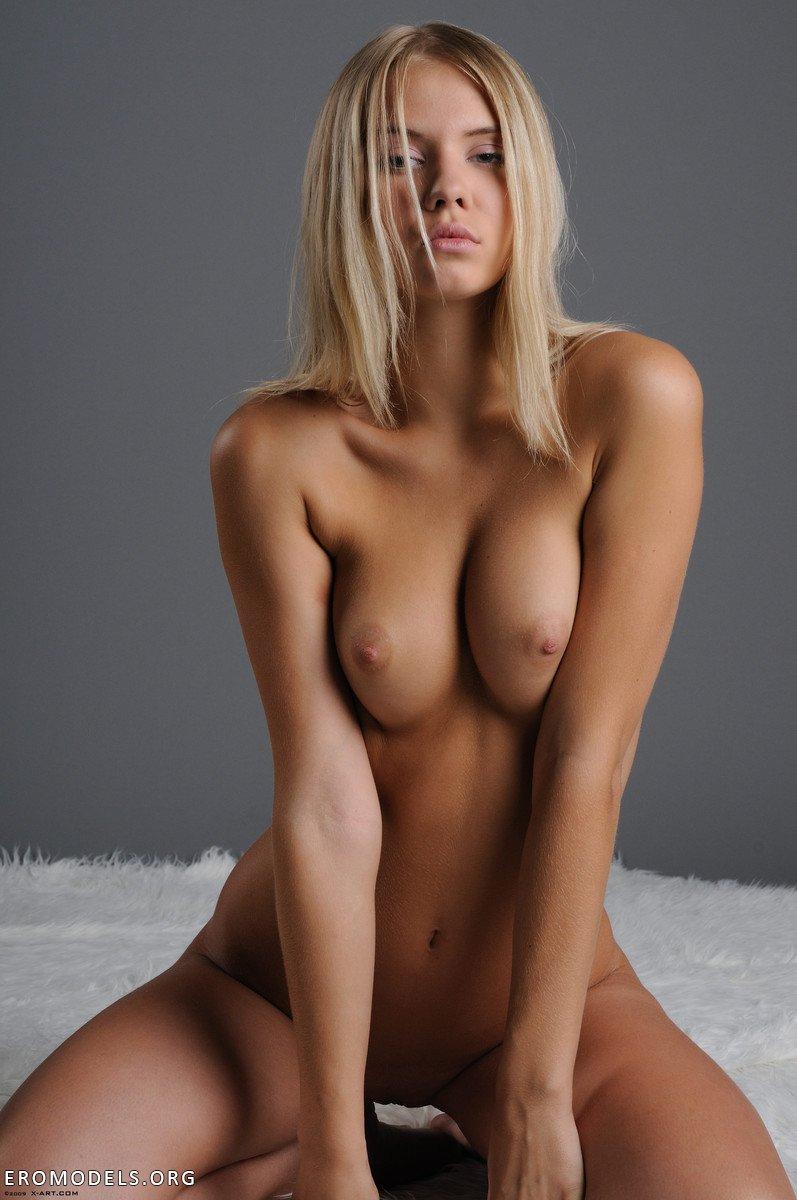 Фото голых моникенщиц 7 фотография