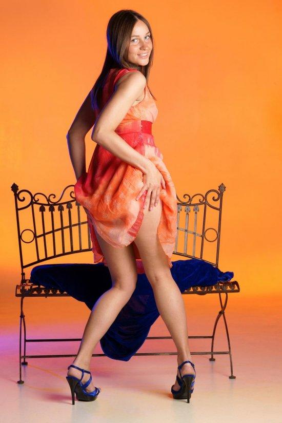 Интим Irina в со вкусом оформленной студии (16 фото)