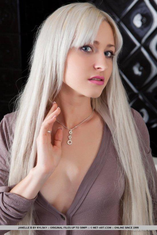 Поразительная яркость волос Janelle (15 фото)