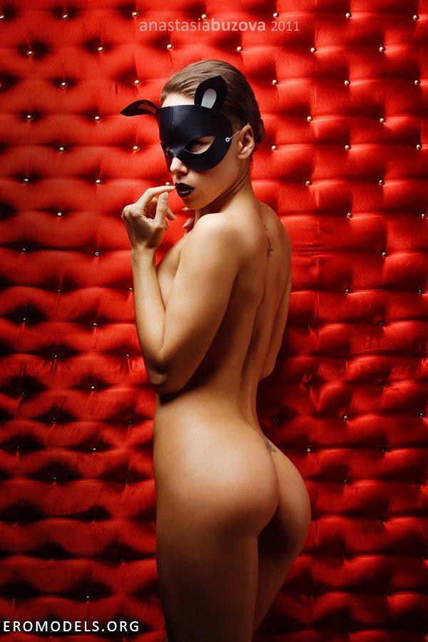 eroticheskie-modeli-v-maskah
