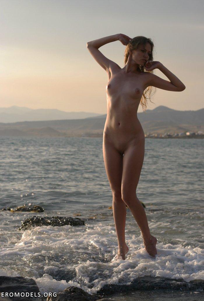 podsmotrennie-eroticheskie-foto-s-plyazha