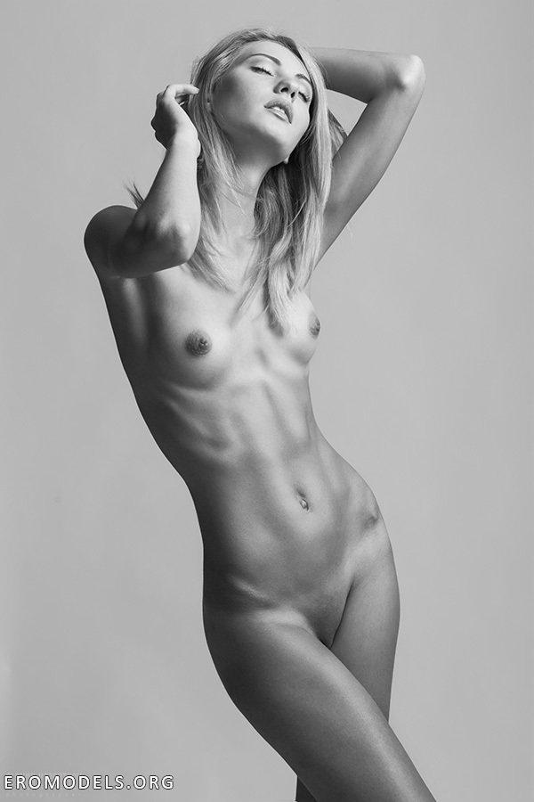 devushki-toshie-erotika