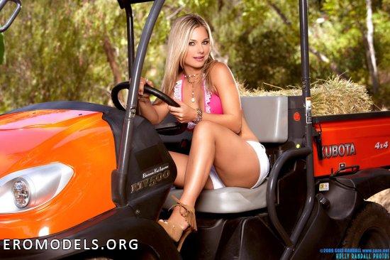 Приехавшая на гольф машине для откровений Harmony Paxson (20 фото)