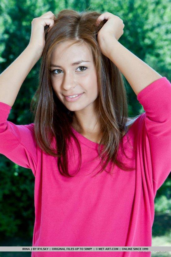 Пропитанная позитивом фотосессия миленькой Irina (15 фото)
