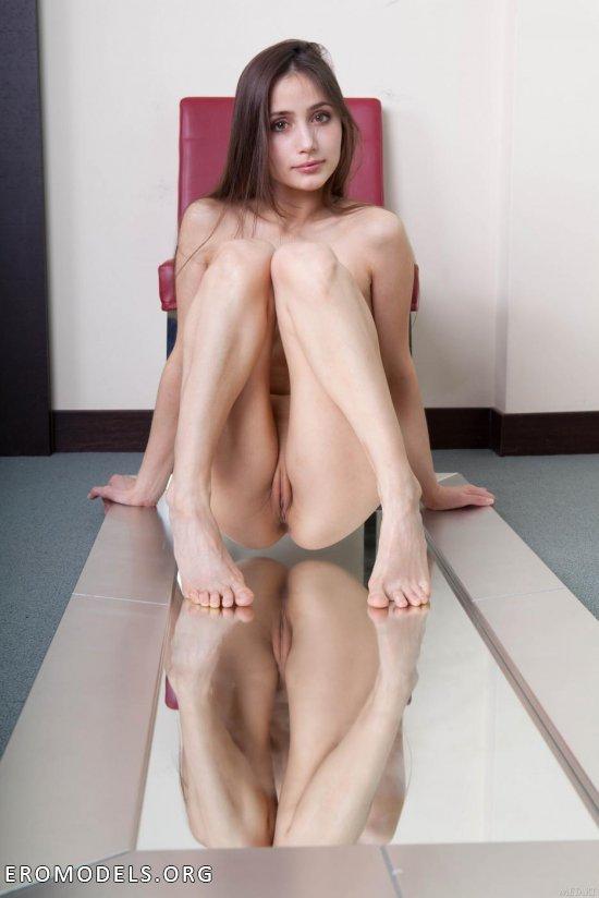 Nude adeline