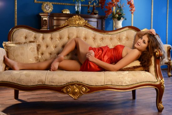 Эротика Jessica в аристократических интерьерах (40 фото)
