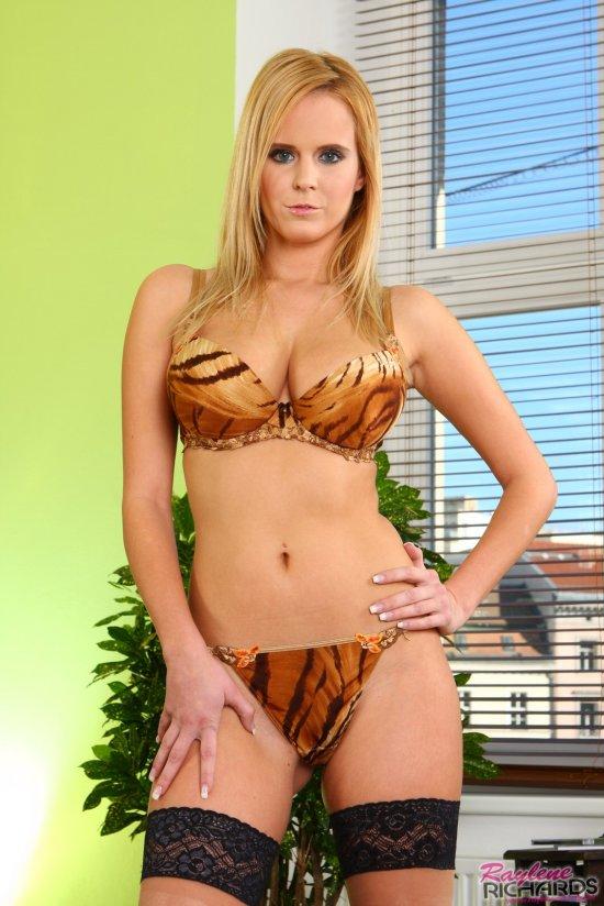 Всерьез обжигающая сексуальность Zuzanna Drabinova (26 фото)