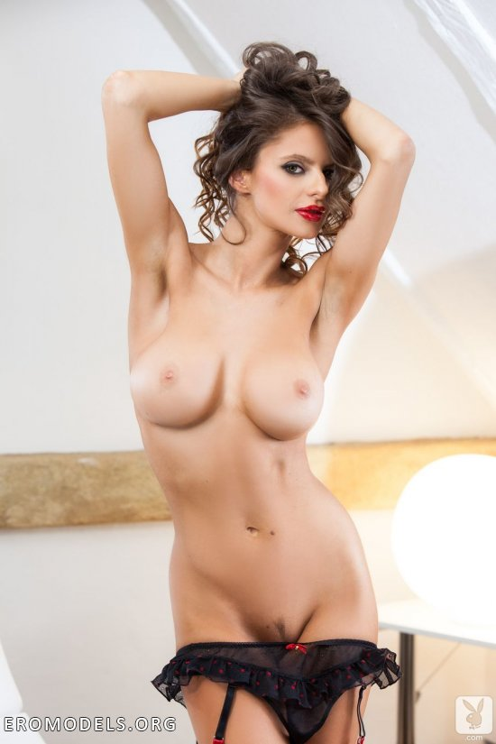 Plair lastra nude