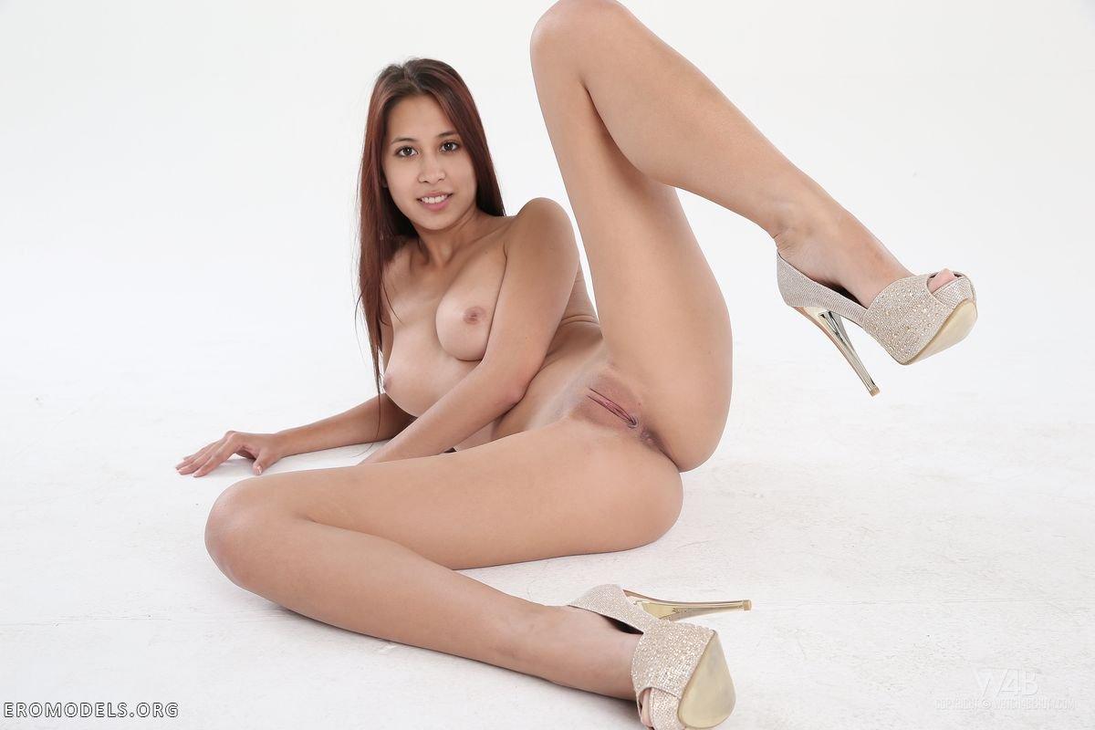 Серьёзный порно кастинг брюнетки фото 659-423