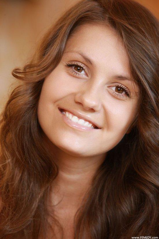 Постоянно улыбающаяся девица Jana (30 фото)