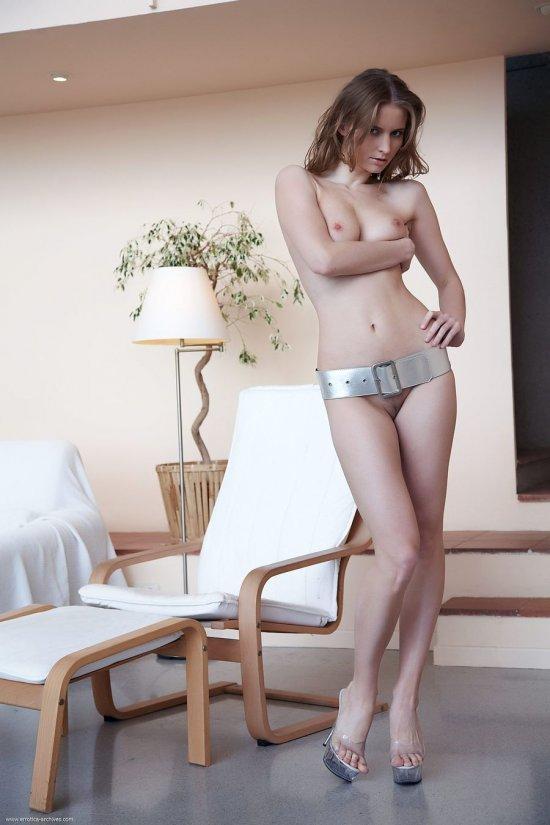 Сексуально обернувшая талию поясом Medea (30 фото)