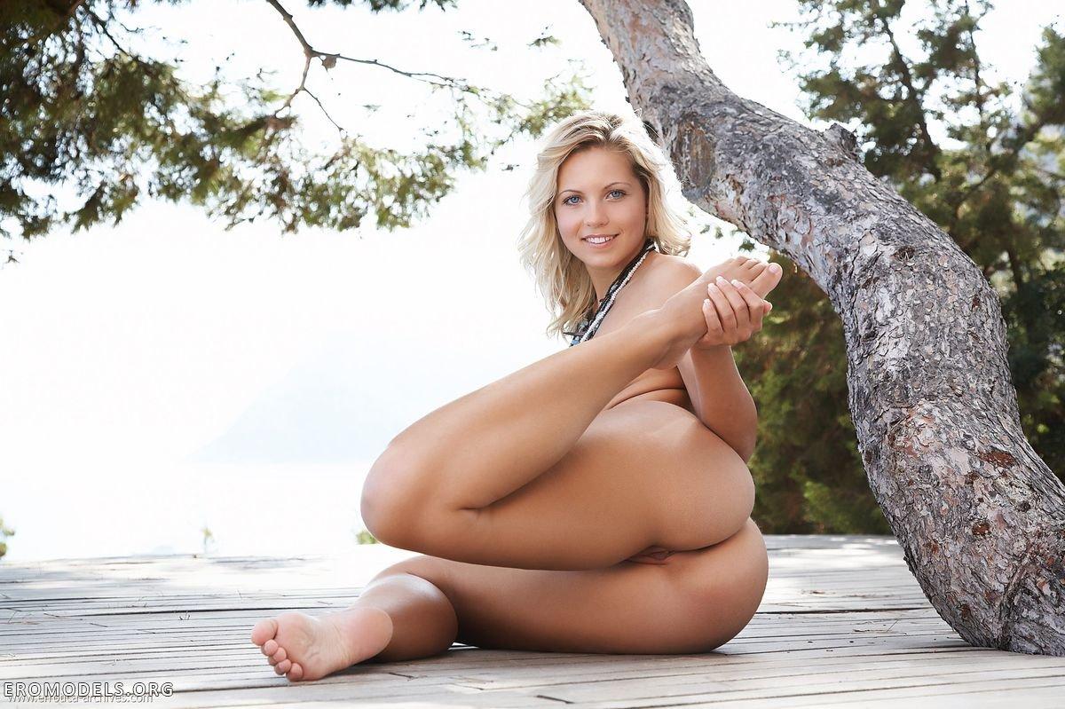 фото голых девушек индивидуалок россия