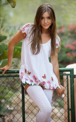 Естественная девушка Nastya (20 фото)