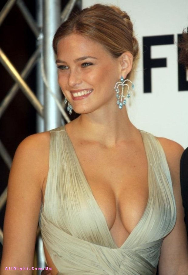 The super affordable bra celebrities with big boobs swear by